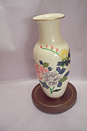 Hand Painted Flower Decorated Porcelain Vase W/base