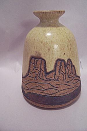 Southwestern Handmade Art Pottery Bottle Vase (Image1)