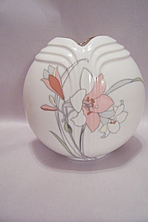 Yamaji Porcelain Flower Decorated Vase