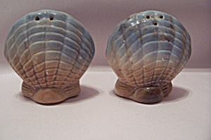 Pair Of Seashell Shaped Salt & Papper Shakers