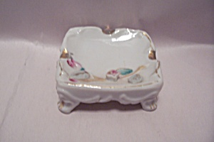 Elegant Porcelain Decorative Footed Ash Tray