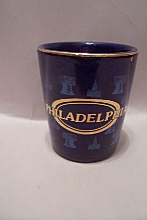 Cobalt Blue Philadelphia Souvenir Toothpick Holder (Image1)