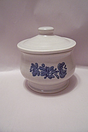 Pfaltzgraff Yorktowne Pattern Sugar Bowl With Lid