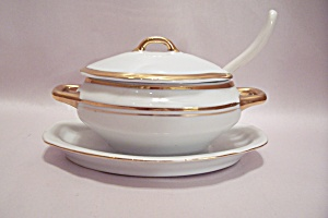 Porcelaine Empire Gravy Boat W/lid And Spoon