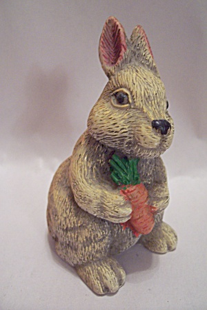 Resin Rabbit Figurine (Image1)