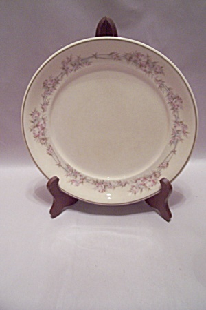 Noritake Keltcraft Yesterday Pattern China Dinner Plate