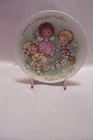 Avon 1983 Mother's Day Collector Plate