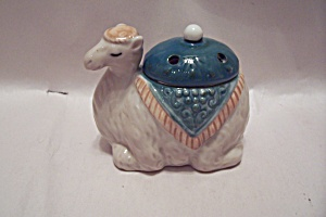 Porcelain Camel Pot For Holding Potpourri