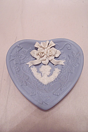 Blue Porcelain Heart Shaped Cameo Decorative Dish