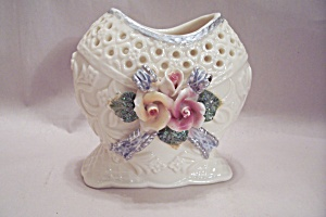 White Porcelain Heart Shaped Flower Decorated Cache Pot