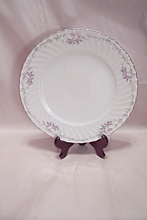 Gold Standard Pattern Fine China Dinner Plate