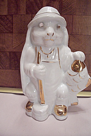 White Porcelain Decorative Cat Fisherman Figurine