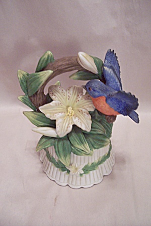 Porcelain Blubird Music Box