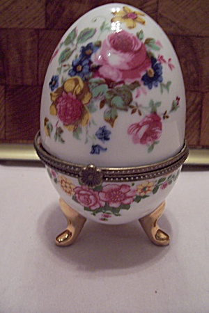 Porcelain Egg Shaped 3-leg Trinket Box