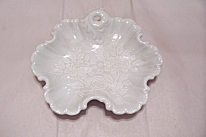 White Porcelain Footed Flower Decorated Dish