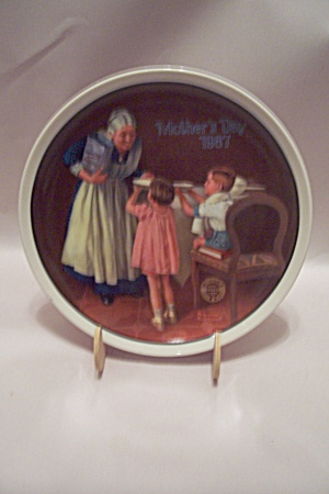 Norman Rockwell Mother's Day 1987 Collector Plate