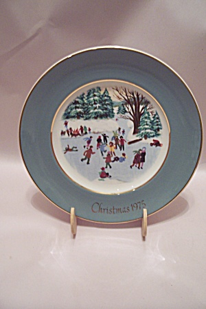 Skaters On The Pond Christmas 1975 Collector Plate