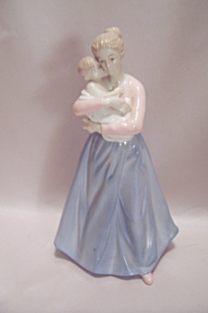 Fine Porcelain Woman & Child Figurine (Image1)