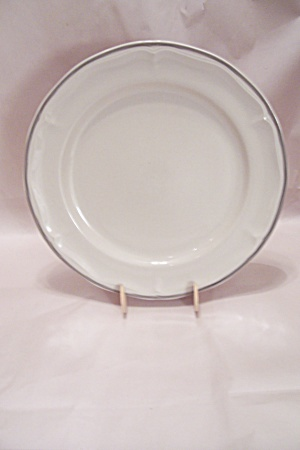 Soiuthampton Stoneware Collection Round Platter