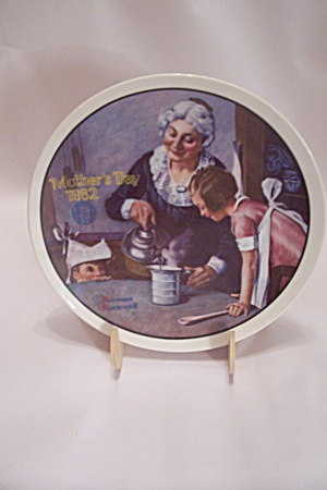 Knowles Norman Rockwell's Mother's Day 1982 Plate