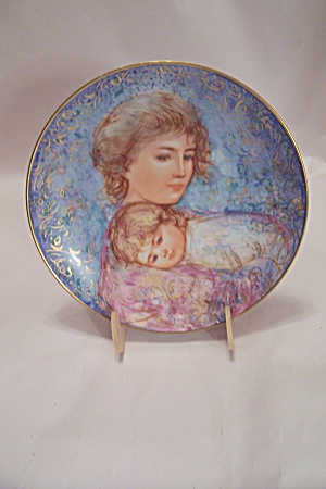 Abby And Lisa By Edna Hibel Mother's Day 1984 Plate