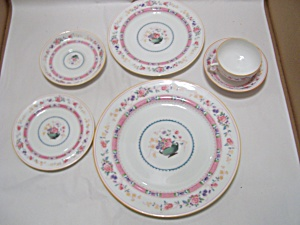 Royal Doulton Urn Pattern China 6-piece Place Setting