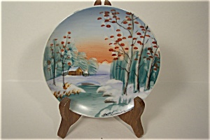 Hand Painted Winter Scene Collecor Plate (Image1)