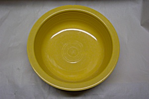 FIESTA 8-1/2  InchYellow Vegetable/Nappy Bowl (Image1)