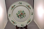 Click here to enlarge image and see more about item BG00238: Noritake Fine China Holly Plate