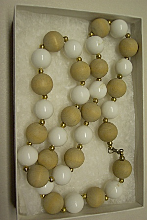 White Bead And Wooden Bead Necklace (Image1)