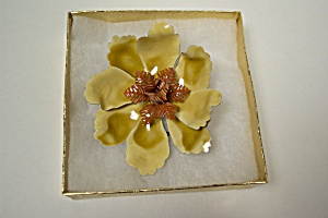 Flower Pin/brooch