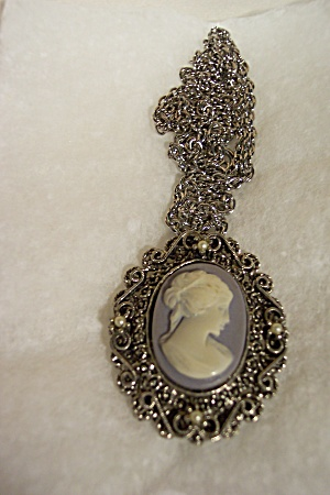 Vintage Cameo Pendent