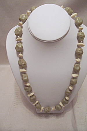 Avocado Green & White Bead Necklace (Image1)