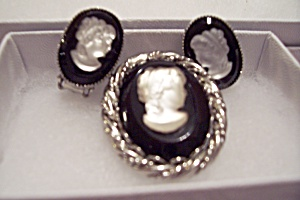 Vintage Cameo Satin Glass & Black Brooch & Earrings Set