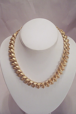 Gold Plated Leaf Motif Link Necklace