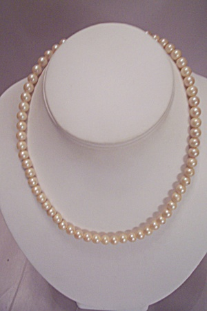 Cultured Pearl Single Strand Necklace (Image1)