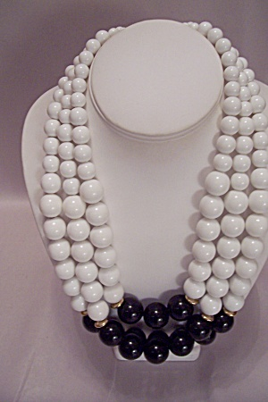 Three Strand White & Black Bead Necklace (Image1)