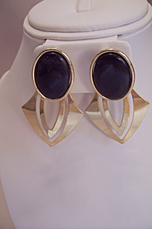 Fashion Gold Tone & Black Stone Stud Earrings