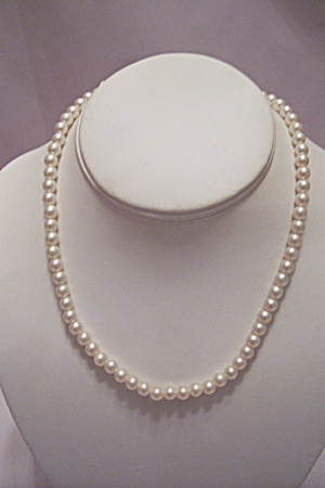 Simulated Pearl Stretch Necklace