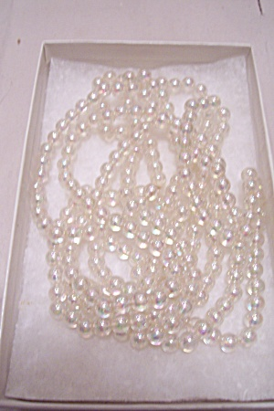Opalescent Bead Necklace (Image1)