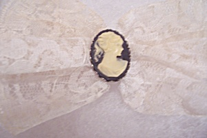 White Lace Clip-on Bow & Cameo