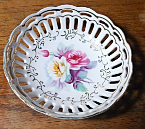 BEAUTIFUL 5 INCH HAND PAINTED VICTORIAN  FLORAL BOWL (Image1)