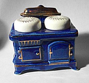 VINTAGE 1960`S BLUE STOVE STYLE SALT & PEPPER SHAKER  (Image1)