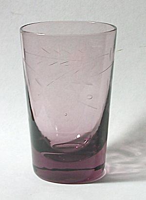 VINTAGE ETCHED PURPLE DEPRESSION GLASS SHOT GLASS (Image1)