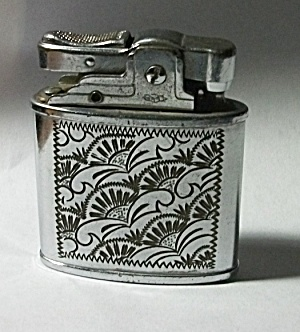 VINTAGE 1950`S PRINCE FLORAL ENGRAVED POCKET LIGHTER (Image1)
