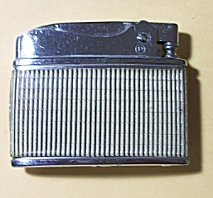 VINTAGE 1960`S PENQUIN VENETIAN FLAT LIGHTER (Image1)
