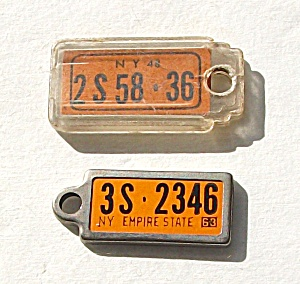 VINTAGE 1948 & 1963 D.A.V. N.Y. MINI LICENSE PLATE TAGS (Image1)