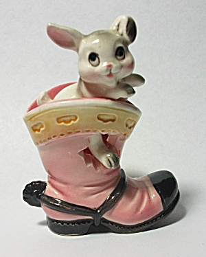 VINTAGE 1960`S RABBIT IN A BOOT FIGURINE # 113 JAPAN (Image1)