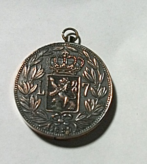 1960`S JAPAN COPPER & BLACK COIN LIGHTER (Image1)