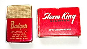 NOS 1970`S STORM KING ADV. BADGER MACHINNE CO. LIGHTER (Image1)